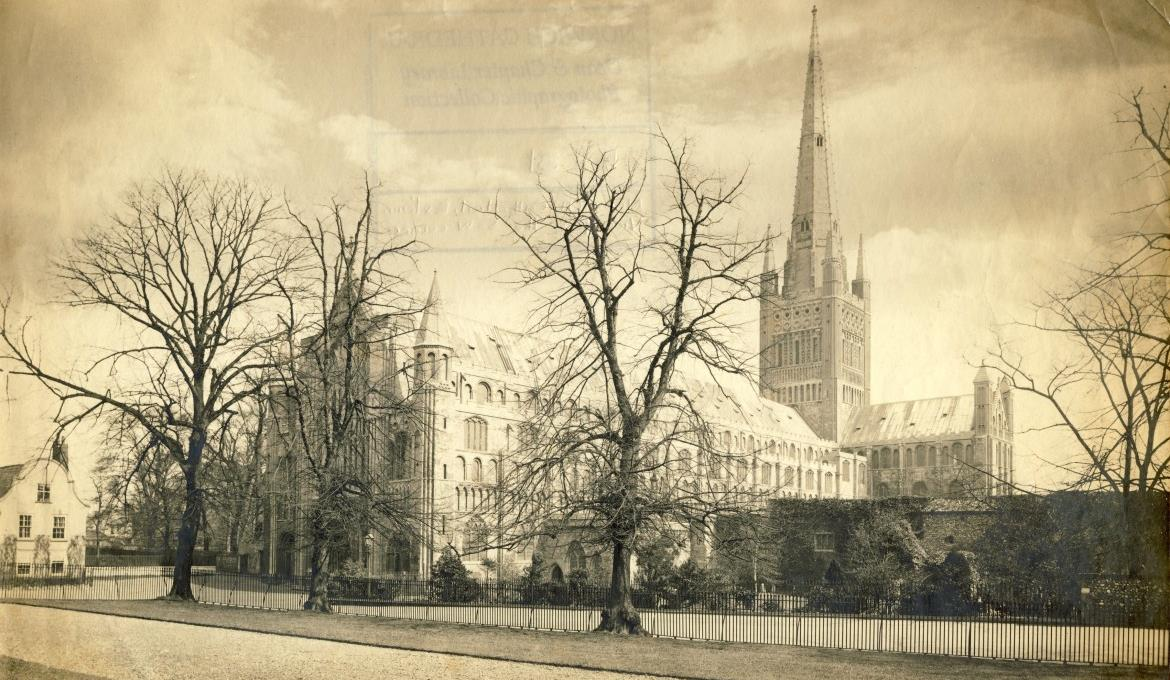 A picture of Norwich Cathedral in the past